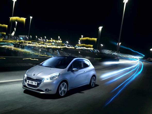 Peugeot-208_action